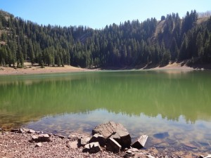 Desolation Lake has a striking color and is surrounded by outstanding scenery. (Photo: Ryan Malavolta - UtahOutside.com)