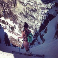 Vanessa Aadland, naked, about to drop into Suicide Chute on Mount Superior. (Photo: UnofficialNetworks.com)