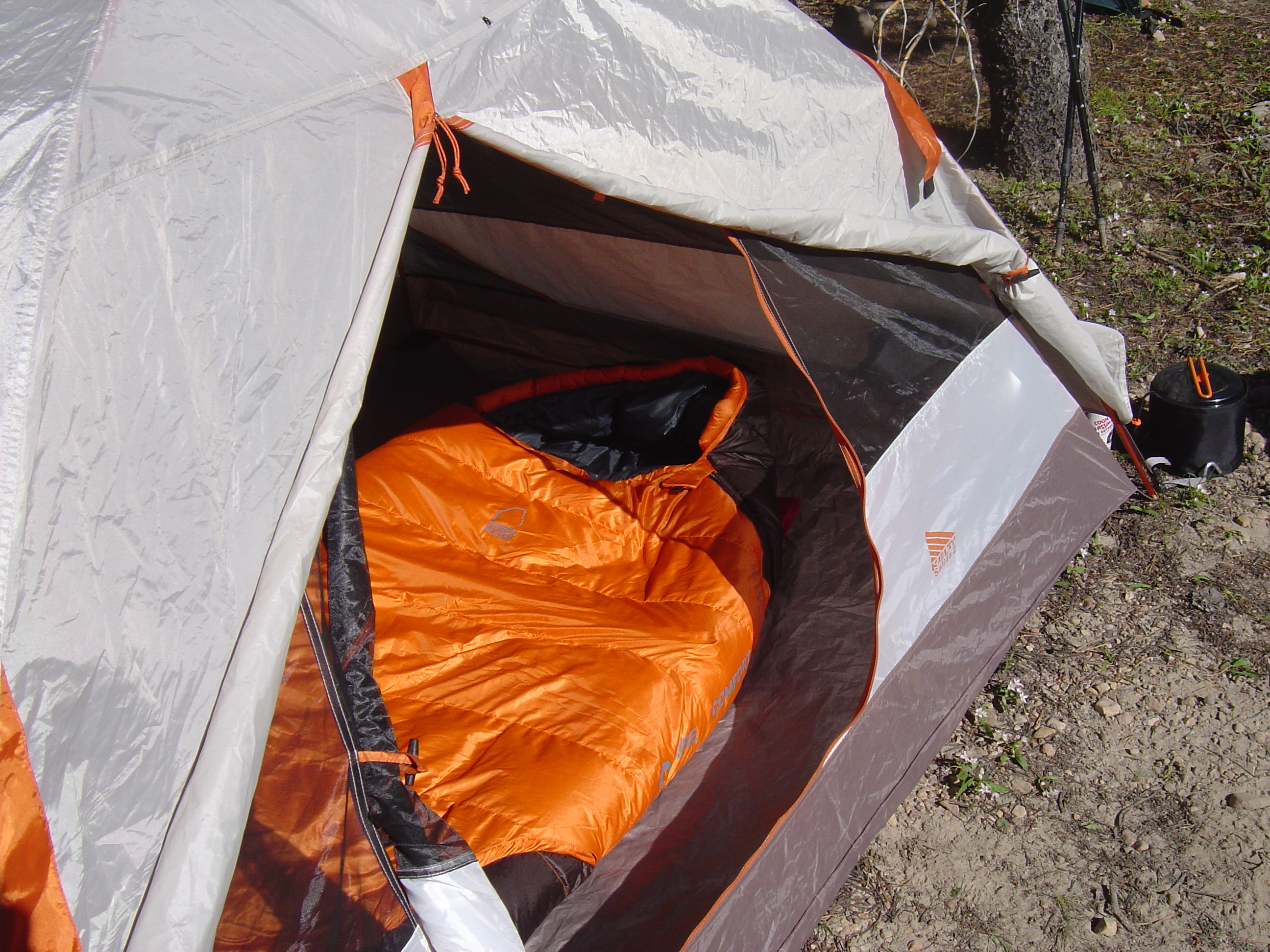 Choose a pad with insulation and a warm sleeping bag for mountain camping (photo: Ryan Malavolta)