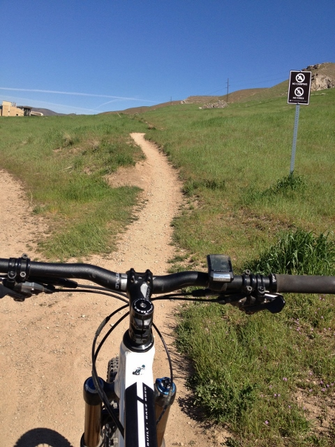 You'll come to many forks and spur trails on the Bonneville Shoreline Trail. If you want a more technical ride, the rule of thumb is to take the high road. (Photo: Jared Hargrave - UtahOutside.com)