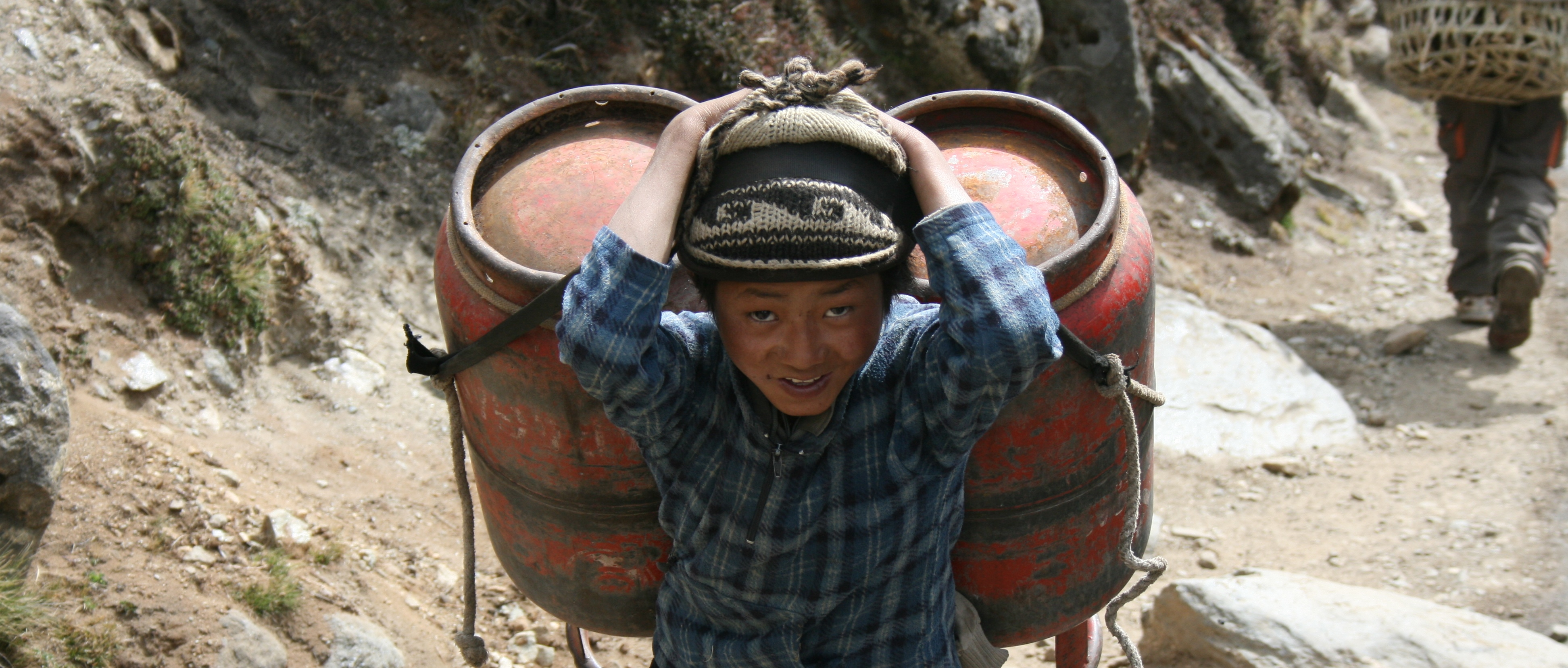 Sherpa Fundraiser To Help Everest Avalanche Victims